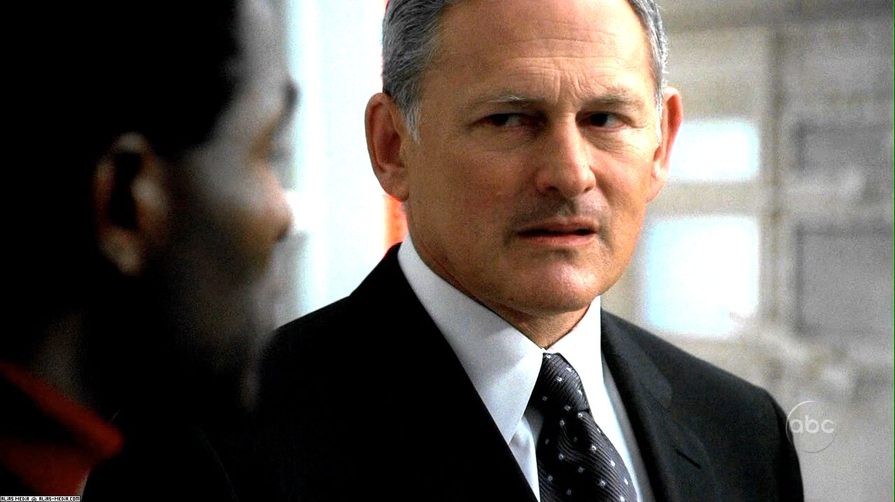 Jack Bristow - Sydney's father. Played by Victor Garber - jack1
